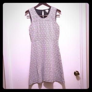 Women's,  Sleeveless Dress, EUC, Size Small